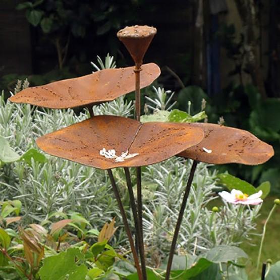 ijzeren drink-en eetbakje voor vogels in lotusvorm - 90cm